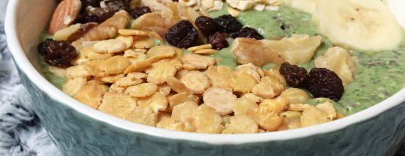 Green Smoothie Bowl Rezept vegan süß